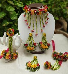 Yellow and Red flower jewellery gotapatti set Necklace, tika,earrings,bracelet 6 pieces jewellery set,flower set - preet - Indian Wedding Jewelry, Bridal Jewelry, Indian Bridal, Bridal Flowers, Red Flowers, Flower Jewellery For Mehndi, Flower Jewelry, Jewellery Diy, Yoga Jewelry