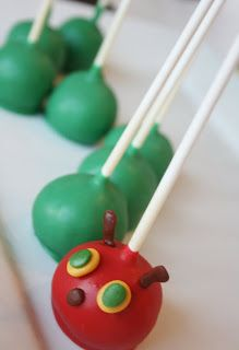 Very Hungry Caterpillar cake pops - great for a kids' party! Birthday Treats, First Birthday Parties, First Birthdays, Cupcakes, Cupcake Cups, Hungry Caterpillar Food, Caterpillar Book, Boys Food, Eric Carle