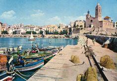 Foto de 1972 del embarcadero de Sitges Sitges, Barcelona, Antique Photos, Vacations, Historia, Barcelona Spain