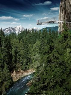 Cliff Walk, Vancouver, British Columbia, Canada: Spectacular Places You Should Visit in Your Life | Amazing Online Magazine