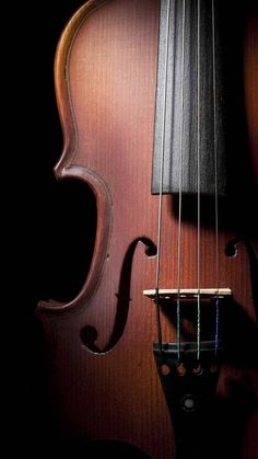 Chello and Violin are amazing Instruments, that make an Orchestra sound sooooooo much better! I play the flute, but I know about 15 people who play Chello! Music is gods gift to us. Wallpaper Musica, Musik Wallpaper, Qhd Wallpaper, 2017 Wallpaper, Viola Instrument, Violin Photography, Heart Photography, Mobile Photo, Cello Music