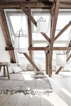 poutres apparentes, exposed beams in the white living room Interior Exterior, Interior Architecture, Industrial Architecture, Attic Renovation, Attic Remodel, Attic Rooms, Attic Apartment, Attic Bathroom, Apartment Layout