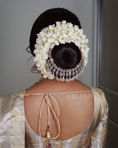"""💄BLUSH💄 on Instagram: """"💎Bejewelled jasmine bun❤️ Would you wear this look on a special event?"""" Easy Hair Up, Easy Updos For Medium Hair, Easy Hairstyles For Long Hair, Office Hairstyles, Medium Hair Styles, Stylish Hairstyles, Hairstyle Short, Hair Medium, School Hairstyles"""
