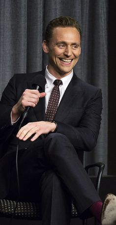 Tom Hiddleston attends SAG-AFTRA Foundation Conversations for The Night Manager at SAG-AFTRA Foundation on August 12, 2016 in Los Angeles, California. Source: Torrilla, Weibo. Click here for full resolution: http://ww4.sinaimg.cn/large/6e14d388gw1f6tavly0cij21401o01kx.jpg