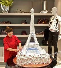 Amazing Eiffel Tower cake