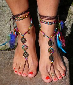 Bunte Barfuß-Sandalen, Fußschmuck, Zehentrenner, Festival Accessoire, Hippie / colorful barefoot sandals for summer made by MarinaBB via DaWanda.com