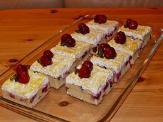 Kirsch - Eierlikör - Blechkuchen mit Schmand - Sahne, ein sehr schönes Rezept aus der Kategorie Kuchen. Bewertungen: 297. Durchschnitt: Ø 4,7.
