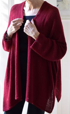A cardigan with a relaxed and flowing style. The side seams are open to the armhole and the sleeves are knit from the armhole to the cuff edge. Garter stitch borders edge the cardigan to result in a topper that will easily slip around your shoulders. Beginner Knitting Patterns, Knitting For Beginners, Cardigan Pattern, Knit Cardigan, Knit Sweaters, Sweater Patterns, Winter Cardigan, Sweater Weather, Knitting Yarn