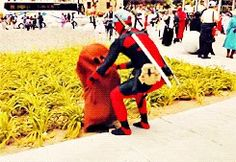 One time he found a Diglett. This Guy Who Cosplays As Deadpool Every Year Is Almost As Funny As Ryan Reynolds Deadpool Cosplay, Deadpool Funny, Deadpool And Spiderman, Marvel Dc Comics, Marvel Avengers, Marvel Memes, Pokemon, Best Cosplay, Funny Cosplay