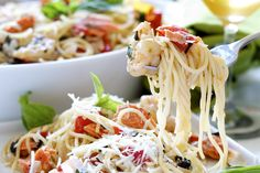 Spaghetti w Pinot Grigio & Seafood http://www.vegetarianwithbenefits.com/2012/06/03/spaghetti-with-pinot-grigio-and-seafood/