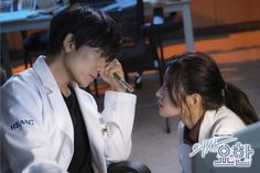 """[Photos] New Stills and Behind the Scenes Images Added for the Korean Drama """"Doctor John"""" @ HanCinema :: The Korean Movie and Drama Database Doctors Korean Drama, Korean Drama Movies, Korean Actors, Sung Lee, Ji Sung, The Doctors Tv Show, Matt Smith Doctor Who, Doctor Quotes, Hidden Movie"""