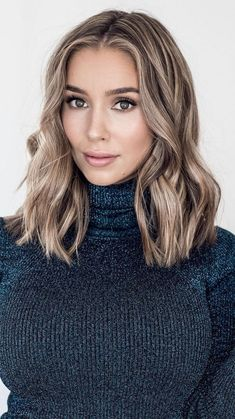 New Hair Highlights Ideas Loose Curls Ideas Medium Hair Styles, Short Hair Styles, Women Hair Styles, Change Hair Color, Trendy Hairstyles, Beautiful Hairstyles, Frozen Hairstyles, Over 40 Hairstyles, Latest Short Hairstyles