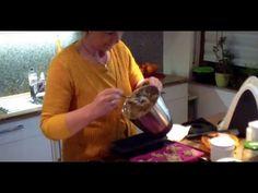 Brot selbst backen: Abnehmen mit Eiweissbrot, für die Diät selber machen - http://back-dein-brot-selber.de/brot-selber-backen-videos/brot-selbst-backen-abnehmen-mit-eiweissbrot-fuer-die-diaet-selber-machen/
