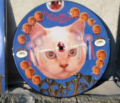 New Release from French Glue Wave band Le Club des Chats, wat wat wat is an amazing picture disc featuring art by singer Maia Rogers. Le Club, Lps, Songs, Pictures, Cat Breeds, Photos, Song Books, Grimm
