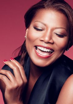 Click to get the scoop on our gorgeous COVERGIRL, Queen Latifah.