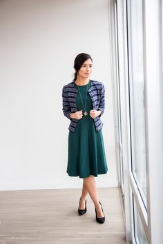 20 Work Outfits - Decoding Women Business Casual - Business Outfits for Work Business Casual Hairstyles, Business Casual Outfits For Work, Fall Outfits For Work, Work Casual, Casual Fall, Spring Outfits, Winter Outfits, Hipster Design, Vintage Hipster