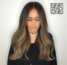Beautiful bronde sombre by Sombre Hair Brunette, Hair Inspo, Hair Inspiration, Natural Hair Styles, Long Hair Styles, How To Curl Your Hair, Love Hair, Hair Looks, Brown Sombre