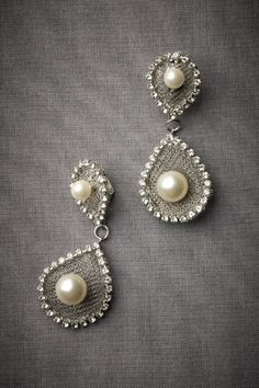 Beautiful Earrings. Wish these would have been out before my wedding they would have been perfect!