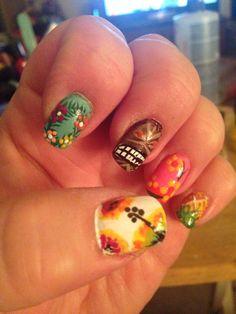 Luau nail art