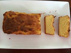 75 gr. amandelmeel 100 ml slagroom 3 eieren 50 gr. roomboter 2 tl bakpoeder 30 gr. (1 schep) smart proteïne (ik heb die van body & fit bananensmaak genomen omdat ik geen vanille had) Alles door elkaar mixen en in een cakevorm doen, daarna 25 min in de oven op 180 graden.
