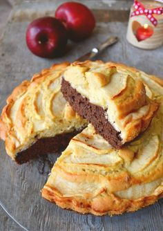 Apple cake with bitter cocoa layer - Sweet Recipes - La Figurina Sweet Light, Sweet Recipes, Cake Recipes, Welsh Recipes, Italian Dinner Recipes, Cheesecake, Different Cakes, Apple Cake, Chocolate Recipes