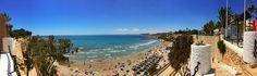 Sol y el tiempo muy calor en la playa Cabo Roig. Orihuela Costa. España. La vida es muy buena.
