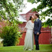 Wedding Inspiration: Sarah and Erik's Rustic Wedding in Kentucky