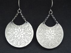 This is a unique antique bohemian earrings for you or your beloved! Beautiful etched mandala earrings almost long hanging of two silver chains that ends at a handmade hook of silver wire! Idea: Be the gypsy queen! Tribal Earrings, Dangle Earrings, Crochet Earrings, Henna Tattoo Designs, Sterling Silver Earrings, Paint Colors, Gypsy, Ethnic, Dangles