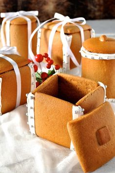 Gingerbread Boxes and Mason Jars - completely edible gifts! The jars are made by wrapping dough around a can. No cookie cutters, mixers or any special equipment required. - Cute idea for presenting hand made candies Edible Christmas Gifts, Edible Gifts, Christmas Gingerbread, Noel Christmas, Christmas Goodies, Christmas Desserts, Christmas Treats, Christmas Baking, Gingerbread Cookies