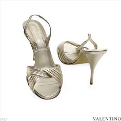 $109.00  VALENTINO! Made in Italy Beautiful Ladies Shoes Made of Yellow Leather 4.0 inch Heel U.S. Size 11