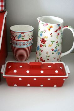 :) by ibekinghanim, via Flickr (GreenGate Molly pitcher)