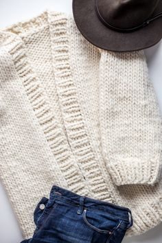 Daily uniform for all the time comfort! Simone Cardigan by We Are Knitters http://www.flaxandtwine.com/2017/05/simone-chunky-cardigan-knitting-pattern/?utm_campaign=coschedule&utm_source=pinterest&utm_medium=Flax%20and%20Twine&utm_content=Simone%20Chunky%20Cardigan%20Knitting%20Pattern%20and%20Kit