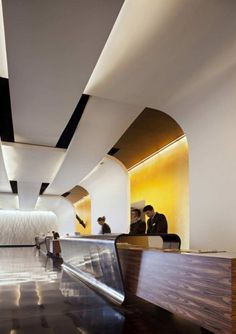 "Grain Matched Wood reception desk ""The Sheraton Milan Malpensa Airport Hotel & Conference Centre / King Roselli Architetti"" Design Hotel, Design Café, Lobby Design, House Design, Corporate Interiors, Hotel Interiors, Commercial Interior Design, Commercial Interiors, Renovation Work"