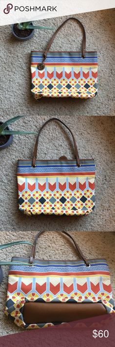 NWOT Relic tote Colorful and beautiful Relic tote. Perfect condition, never used.  On the inside there is one big zipper pouch and one small zipper pocket. There is also one other small pocket.  This is a great bag for shopping, traveling, diaper bag, or just everyday use. Relic Bags Totes