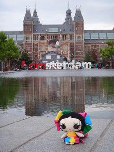 María se va de paseo una vez más! #Amsterdam #ArtesaniasMexicanas #kawaii #MariasINC #IamAmsterdam