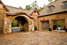 Craftsman Home - awesome porte cochere and driveway
