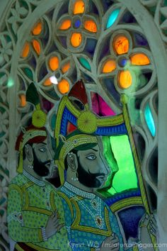 Colored Glass Windows of Udaipur City Palace, India Haveli India, Udaipur India, Mosaic Glass, Glass Art, Cultural Crafts, Art Through The Ages, India Architecture, Indian Patterns, Indian Home Decor