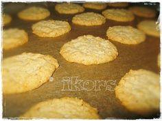 Schwedische Haferflocken Kekse     250 g weiche (!) Butter   200 g Zucker   1 EL Vanillezucker   1 Ei     2 Min./St.3      250 g za...