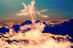 ハワイの雲間に不死鳥が舞い降りた奇跡の一枚 : カラパイア http://karapaia.livedoor.biz/archives/52113482.html
