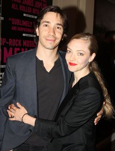 Pin for Later: Birthday Boy Justin Long Loves to Get Silly With Girlfriend Amanda Seyfried Sometimes on red carpets . . .
