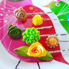 Making hair pin samples to send to Fashion Accessories, Hair Accessories, Hair Pins, Table Decorations, Lady, Ethnic Recipes, Food, Home Decor, Homemade Home Decor