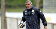Berita Bola: Doa AC Milan untuk Kesembuhan Oscar Tabarez -  http://www.football5star.com/liga-italia/ac-milan/berita-bola-doa-ac-milan-untuk-kesembuhan-oscar-tabarez/78738/