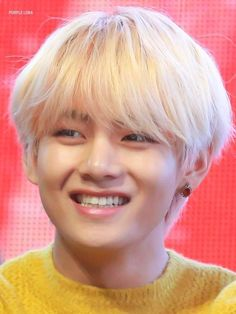"""taehyung's boxy smile : a thread just to make you happy😬"" Bts Taehyung, Taehyung Smile, Jimin, Bts Bangtan Boy, Taehyung Fanart, Daegu, Seokjin, Kim Namjoon, V Bts Cute"
