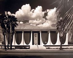 COACHELLA VALLEY SAVINGS AND LOAN - PALM SPRINGS.   Designed in 1962   ARCHITECTS: E. STEWART WILLIAMS AND ROGER WILLIAMS;   PHOTOGRAPHER: JULIUS SHULMAN. 1963