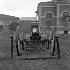 Old Betsy - cannon used in the defense of Fort Stephenson, Ohio, August 1813.  Photography by Alex Luyckx @AlexLuyckxPhoto