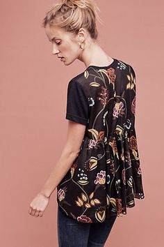 Dear Stylist: I love the bold floral print and fun silhouette of this blouse. Silver Fern Blouse #anthropologie