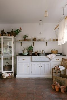 Kitchen design appointments at deVOL – The deVOL Journal – deVOL Kitchens - Modern Classic Kitchen, Rustic Kitchen, Kitchen Ideas, Kitchen Designs, Kitchen Layout, Kitchen Modern, Kitchen Trends, Kitchen Inspiration, Vintage Kitchen