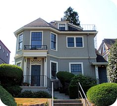 Gray Victorian house with bay / turret   #tacoma #washington #house #exterior #architecture #gray #grey #victorian #white #bay #turret #old