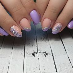 We all love beautiful nail art designs. Ladies, nails are an extension of what they wear, and fresh nail art . Cute Nail Art Designs, Christmas Nail Art Designs, Elegant Nail Art, Beautiful Nail Art, Purple Manicure, Pink Nails, Nail Swag, Flower Nail Art, Glitter Nail Art