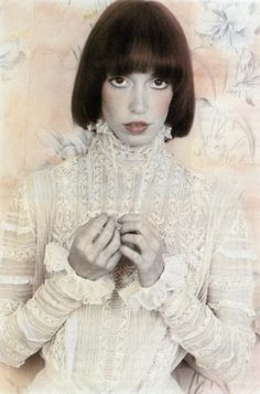 white as snow shelley duvall reminds me of an elsie de wolfe home. floral chintz!
